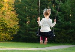 La vitamine D : tout savoir sur le risque de surdosage chez l'enfant